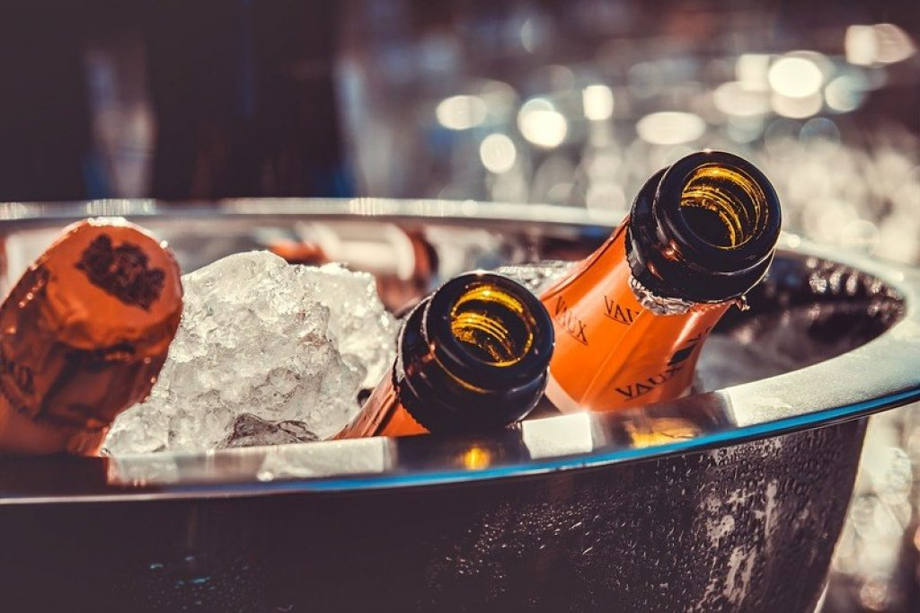 boat-cruise-champagne