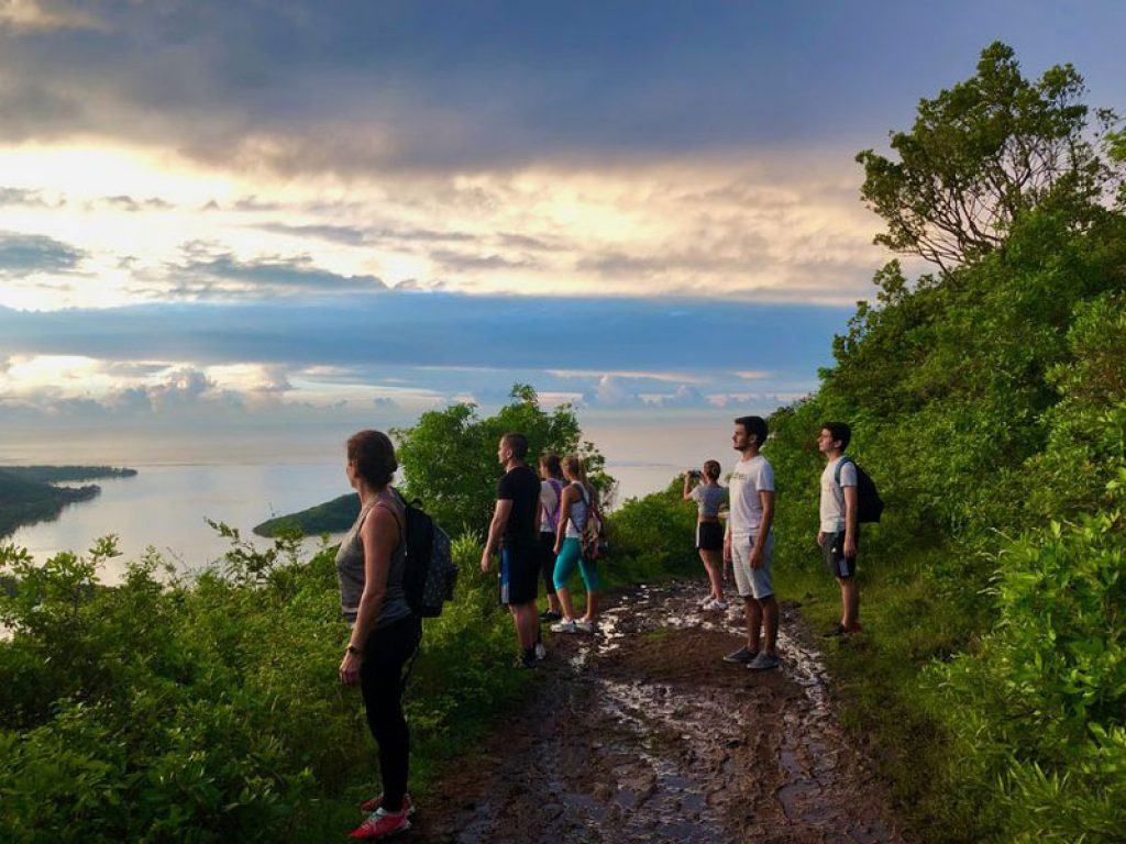 hike up to le morne brabant