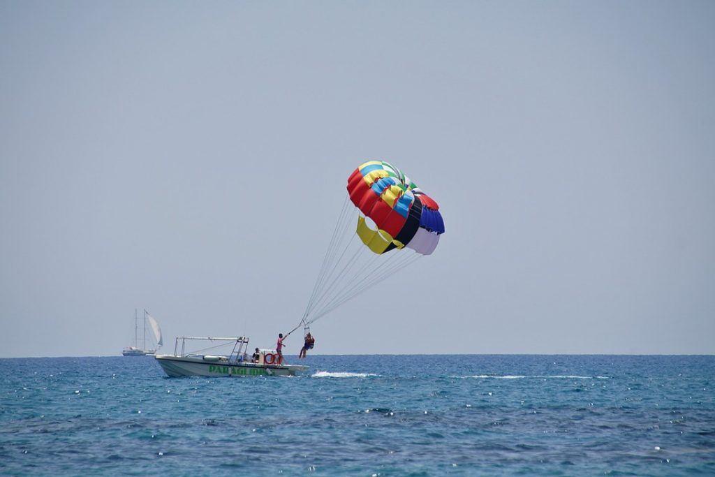pilanesburg-parasailing