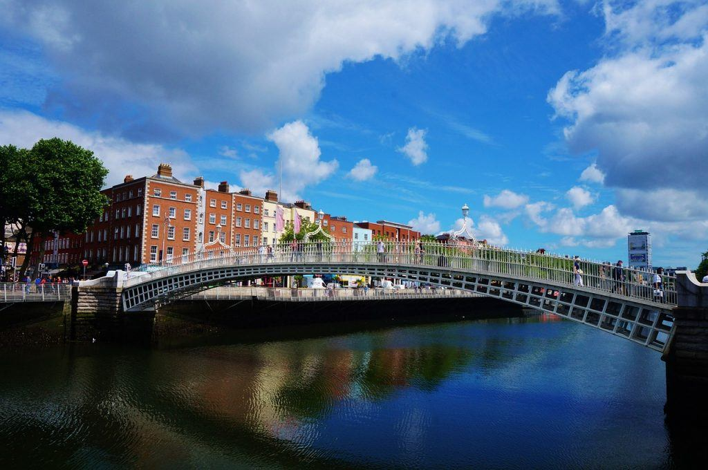 hapenny-bridge-in-dublin