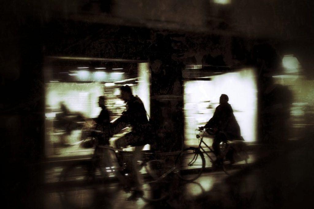 paris-bikes-at-night